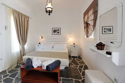 Rooms with double bed in Sifnos