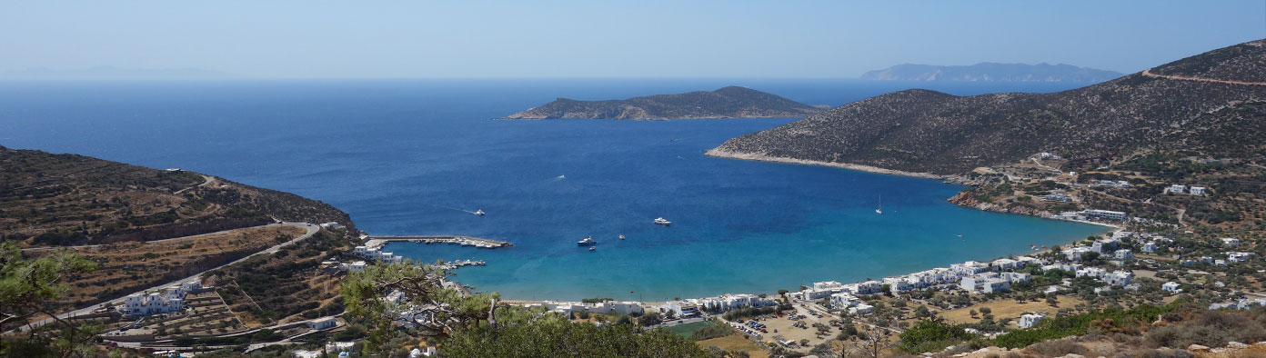 The bay of Platis Gialos in Sifnos